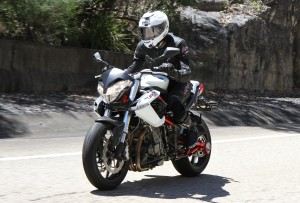BikeReview Benelli TnT 899 Act 2