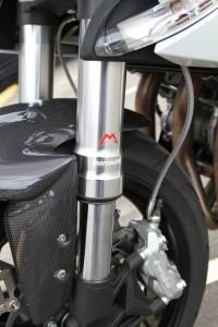 BikeReview Benelli TnT 899 Det 8