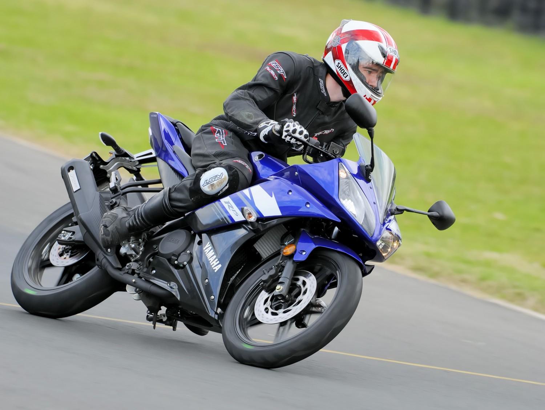 R15 Yamaha 2013 Review: 2013 Yamaha YZ...