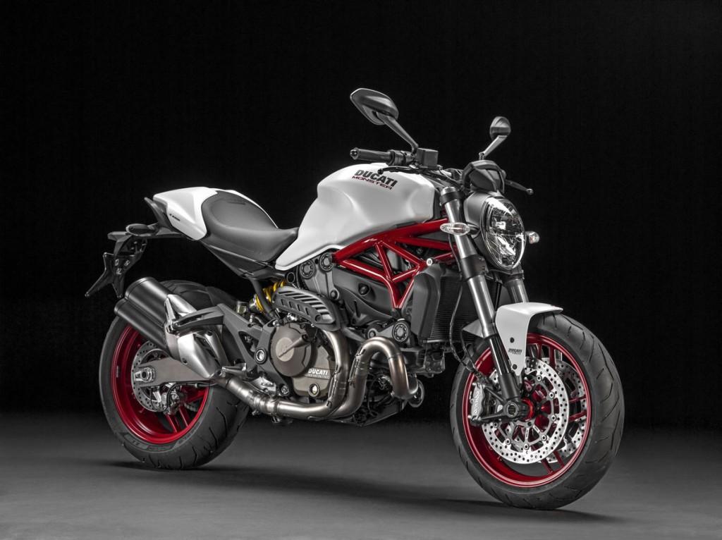 2015 Ducati MONSTER_821 studio static