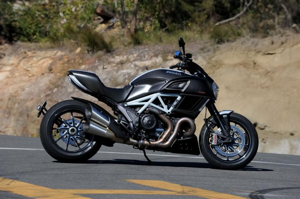 2014 Ducati Diavel BikeReview (6)