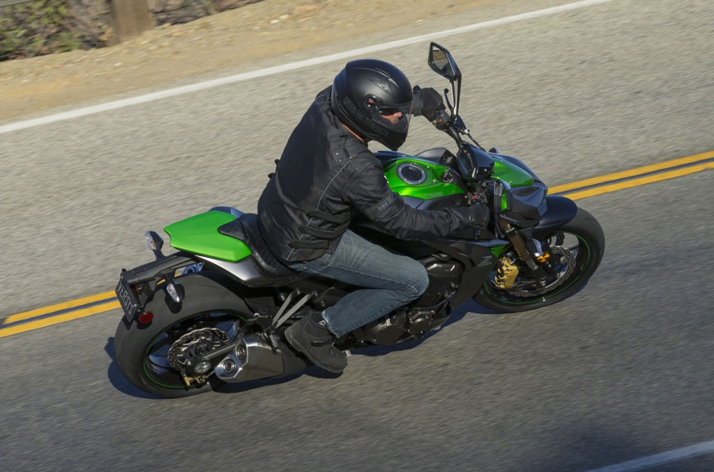 2014 Kawasaki Z1000 BikeReview (1)