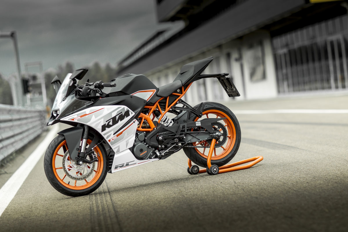 review 2015 ktm rc 390 bike review. Black Bedroom Furniture Sets. Home Design Ideas