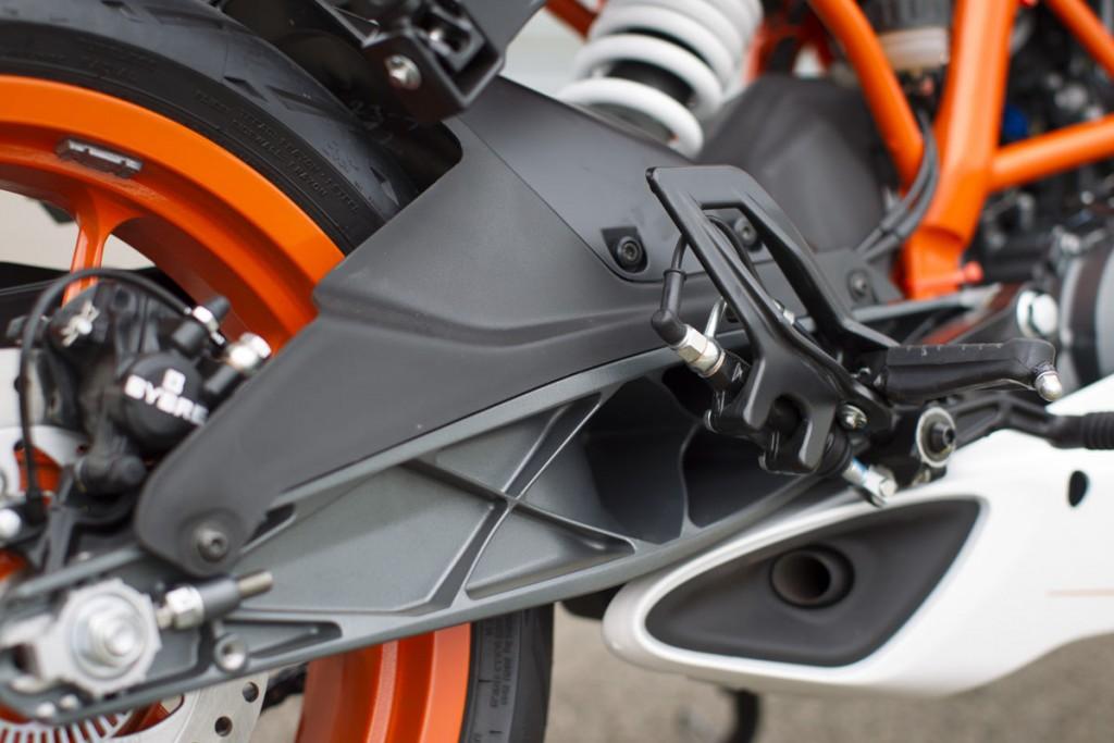 2015_KTM_RC_390_Details 2