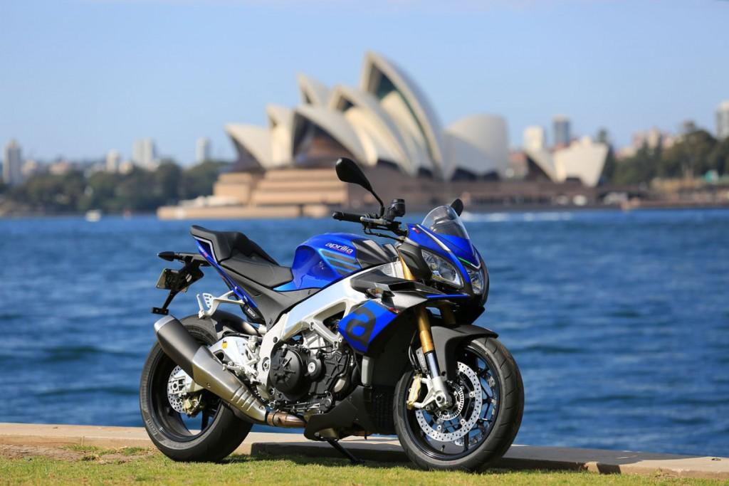 2015 Aprilia Tuono V4 1100 Bike Review (1)
