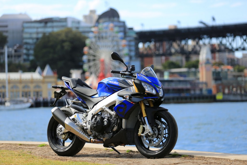 2015 Aprilia Tuono V4 1100 Bike Review (2)