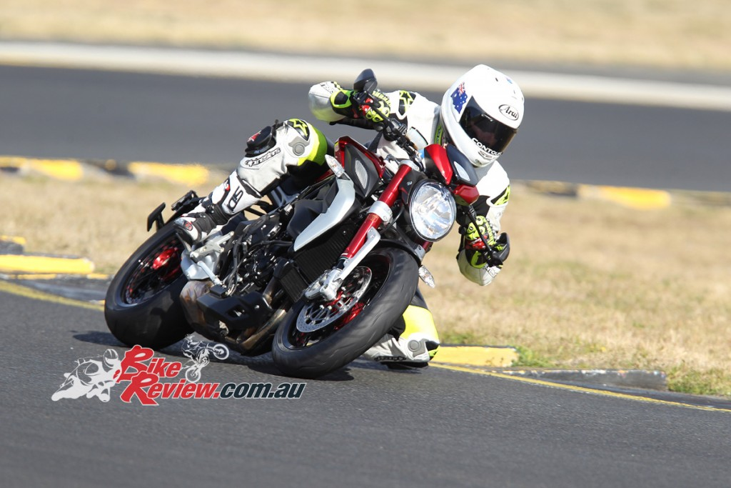 2015-MV-Agusta-Dragster-RR-BikeReview-Jeff