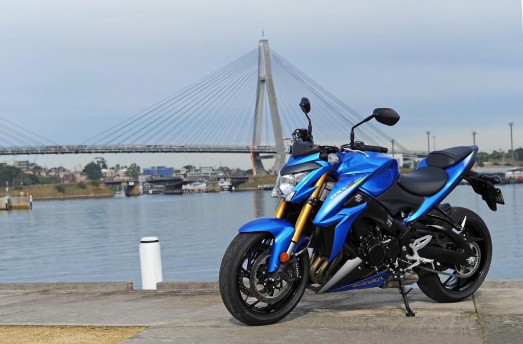 Bike Review GSX-S1000 Suzuki20150827_0043