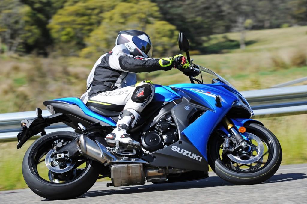 Bike Review GSX-S1000 Suzuki20150908_0044