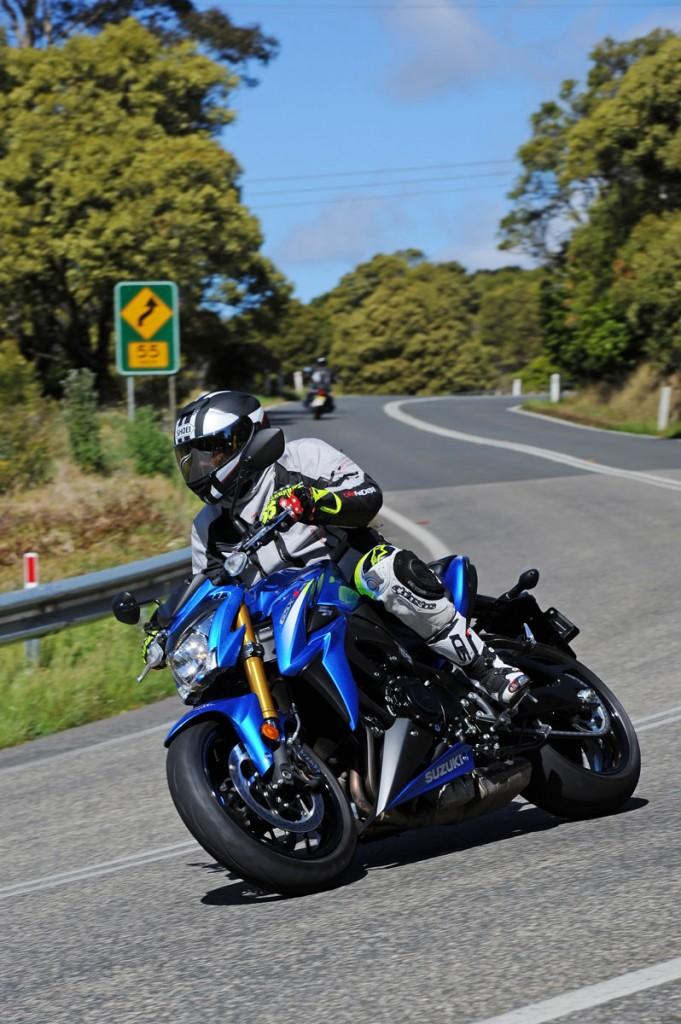 Bike Review GSX-S1000 Suzuki20150908_0045