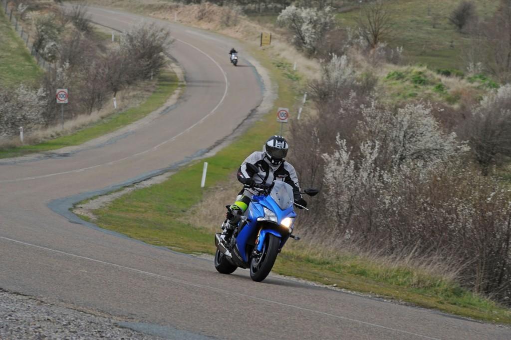 Bike Review GSX-S1000 Suzuki20150908_0046