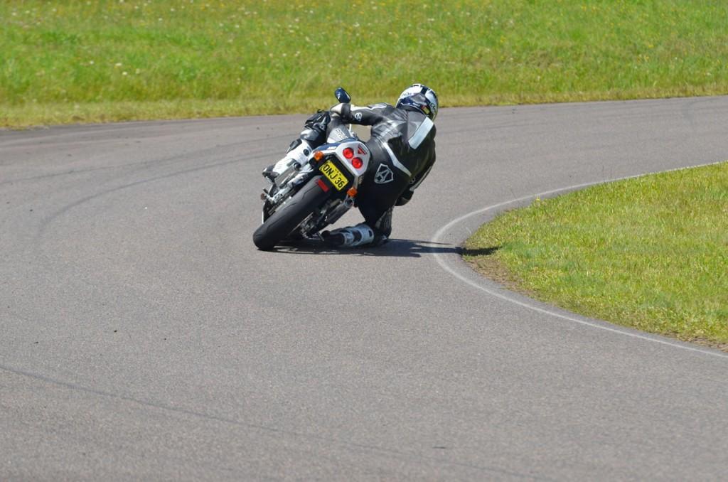 Bike Review RGV v NSR 20121213_0029