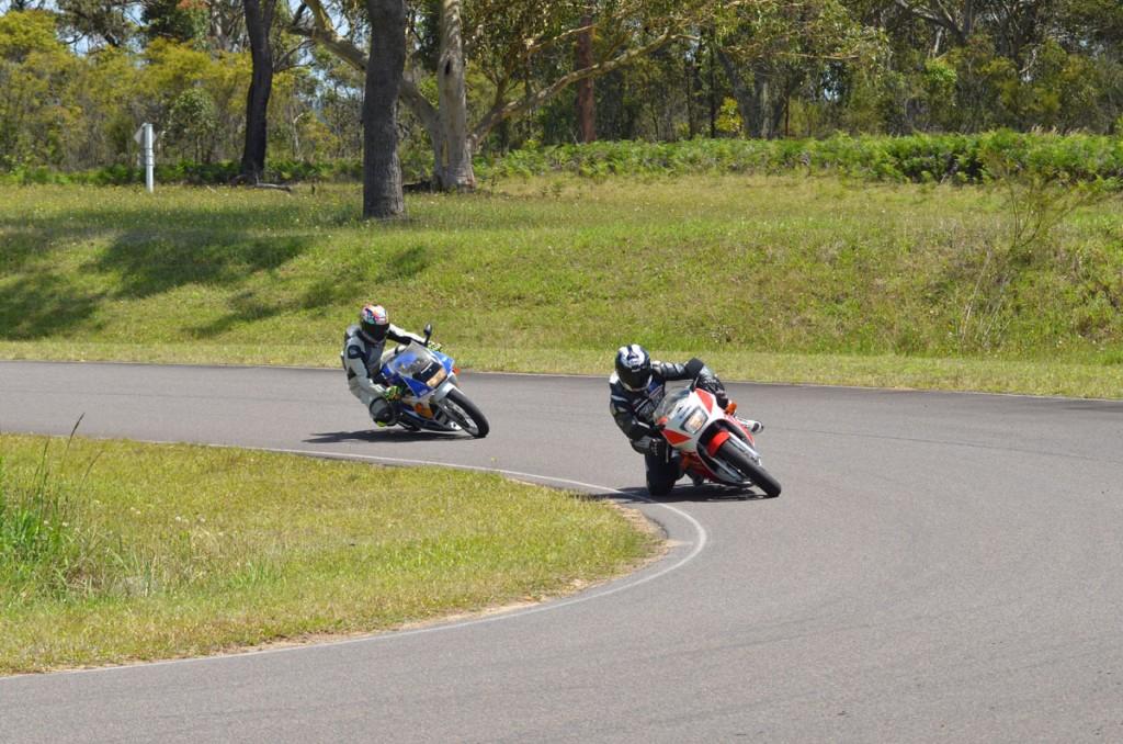 Bike Review RGV v NSR 20121213_0031