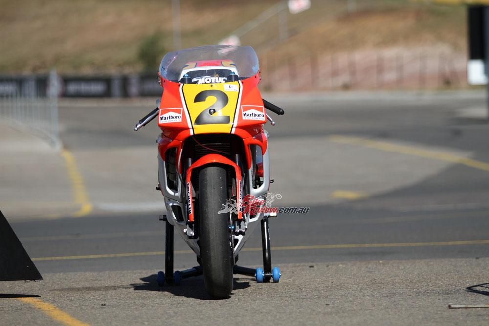 Bike Review YZR500 Rainey20150810_0130