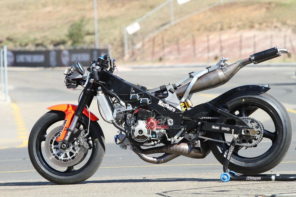 Bike Review YZR500 Rainey20150810_0145