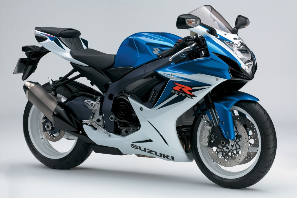 BikeReview GSX-R750 Old v New (10)