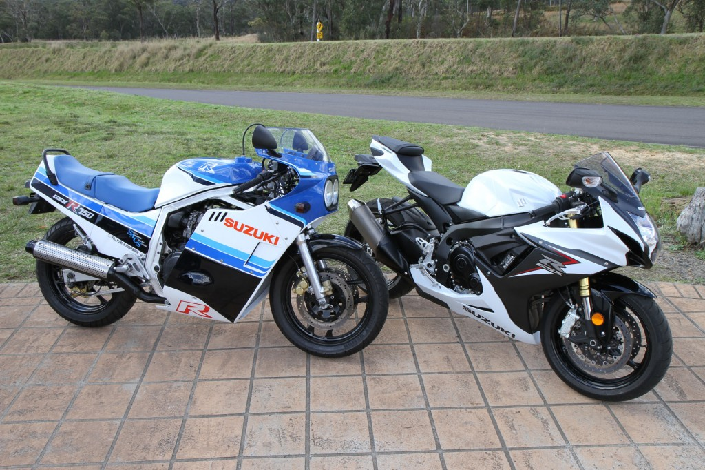 BikeReview GSX-R750 Old v New (1)