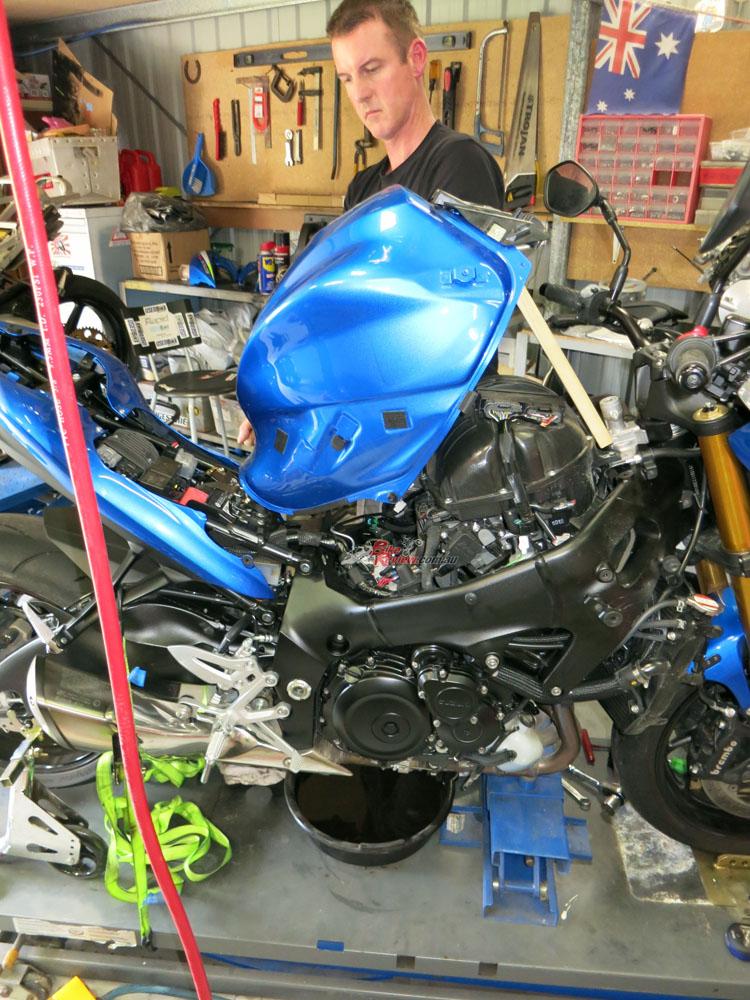 BikeReview GSX-S1000 SB Service20151208_0303 copy