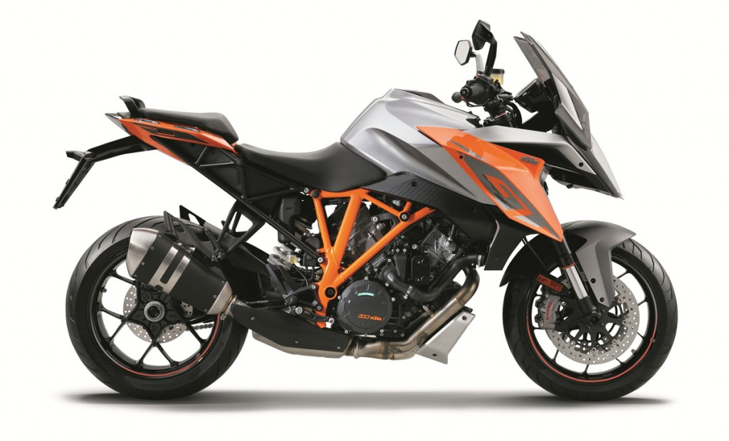 EICMA-2015-Super-Duke-GT-Bike-Review-(6)
