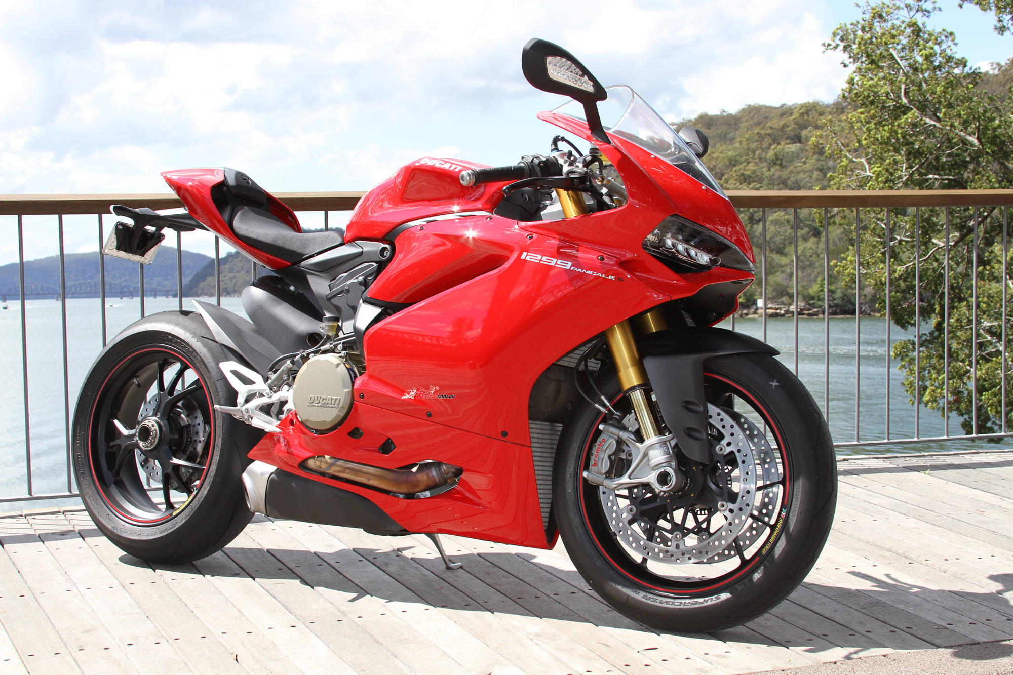 2015 ducati panigale 1299 s review - bike review