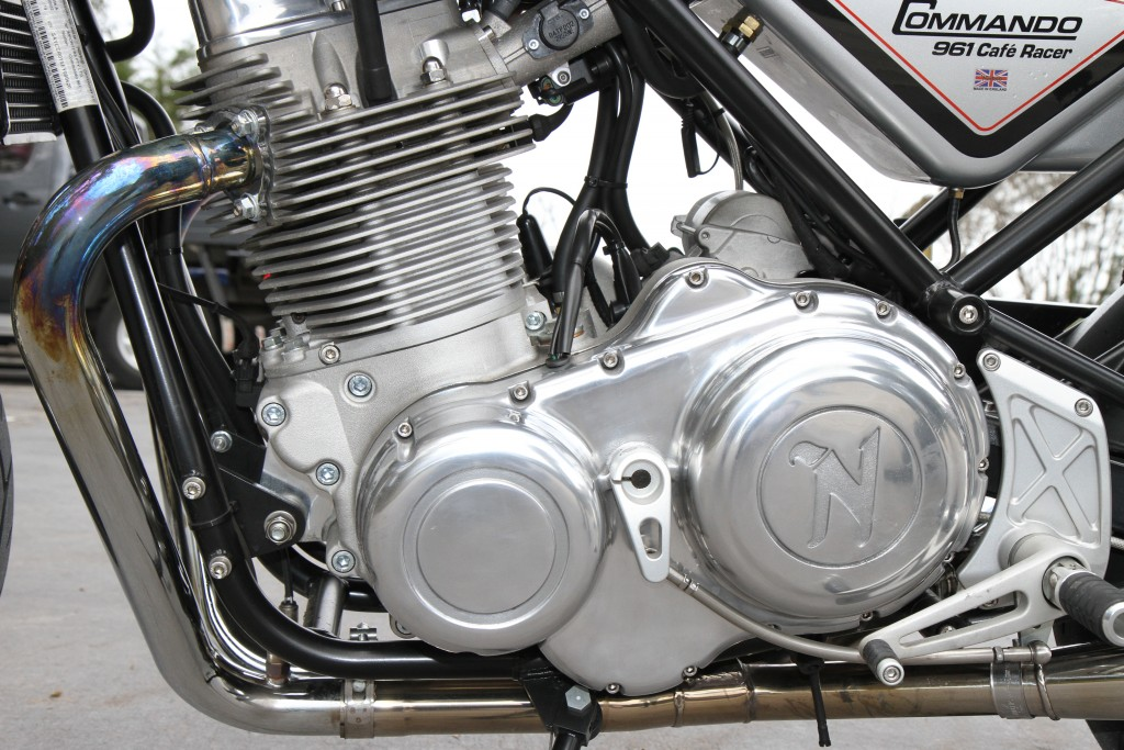 2015 Norton Commando Cafe Racer BikeReview (10)