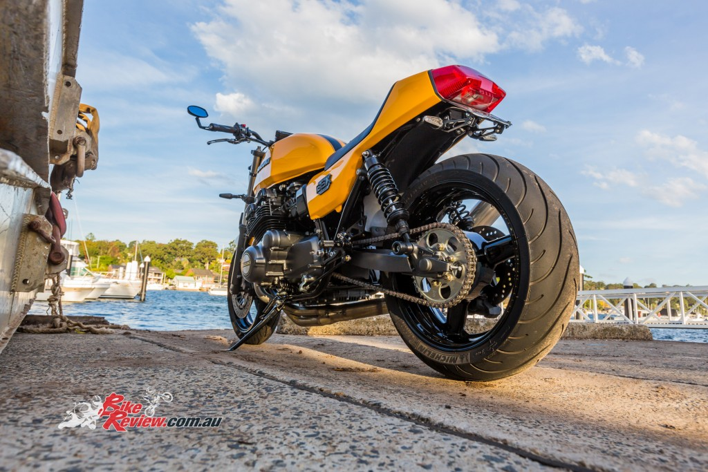 Custom GSX-R1100 BikeReview (18)