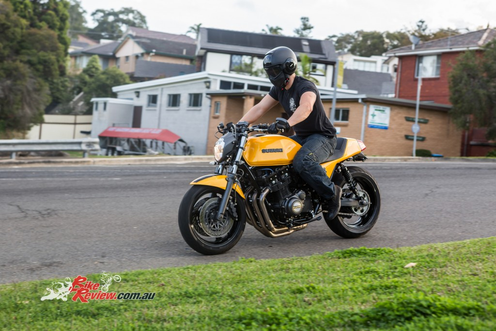 Custom GSX-R1100 BikeReview (20)
