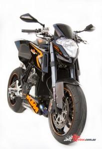 MC-RR-1098-Ducati-Custom-BikeReview-(17)