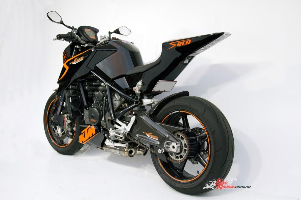 MC-RR-1098-Ducati-Custom-BikeReview-(19)