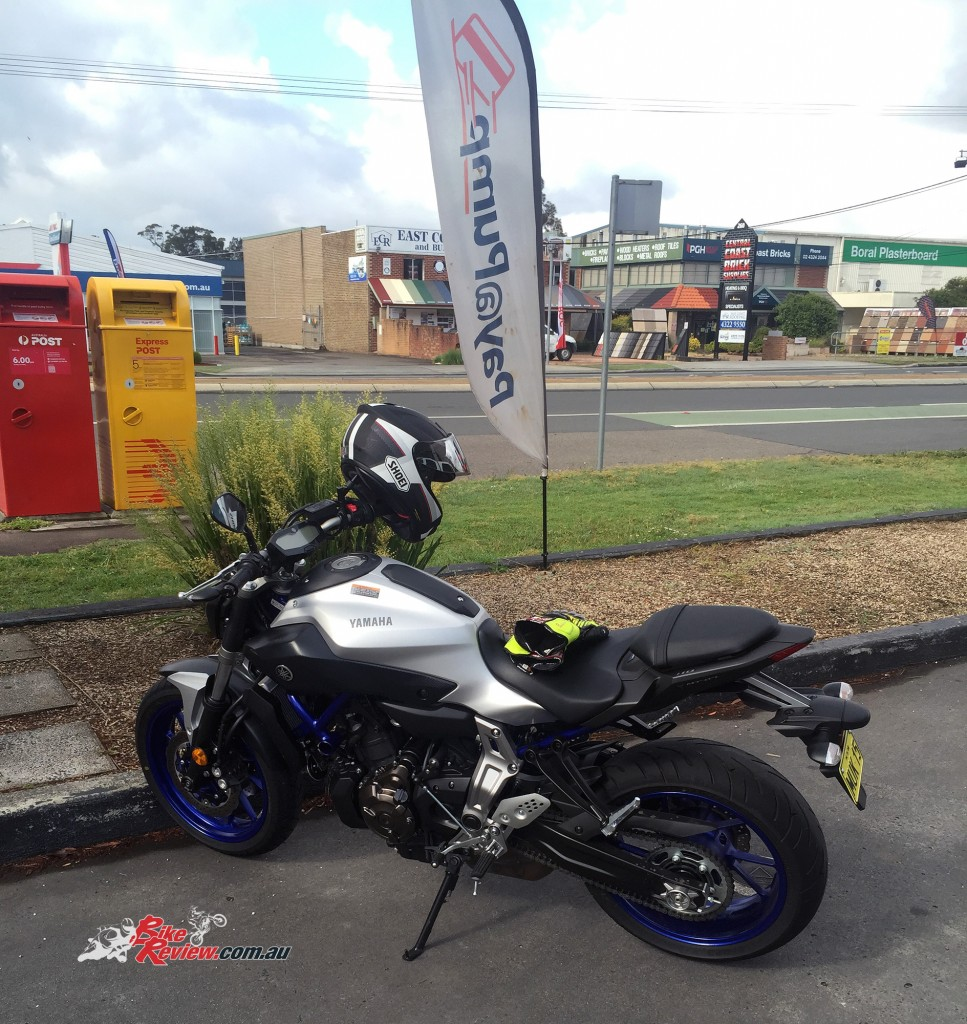 Bike-Review-2015-Yamaha MT-07 HO-(4)