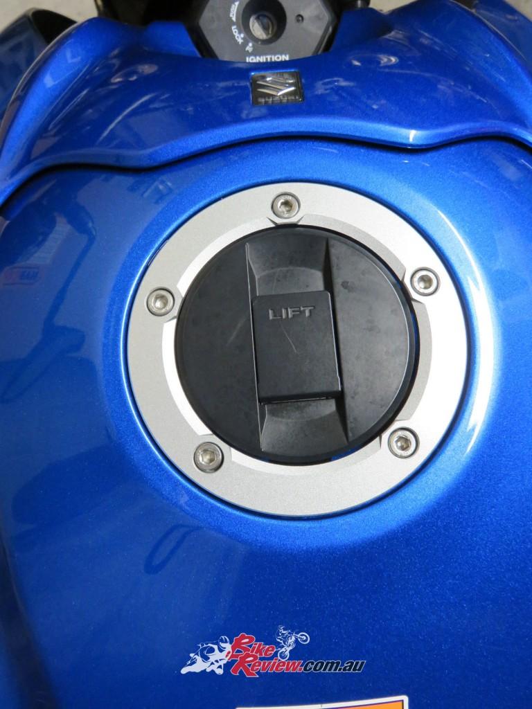 Bike Review GSX-S1000 Suzuki Stickers Decals (17)