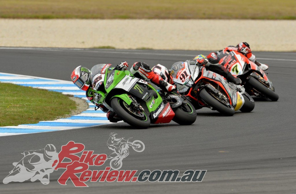 Bike Review SBK Race 1