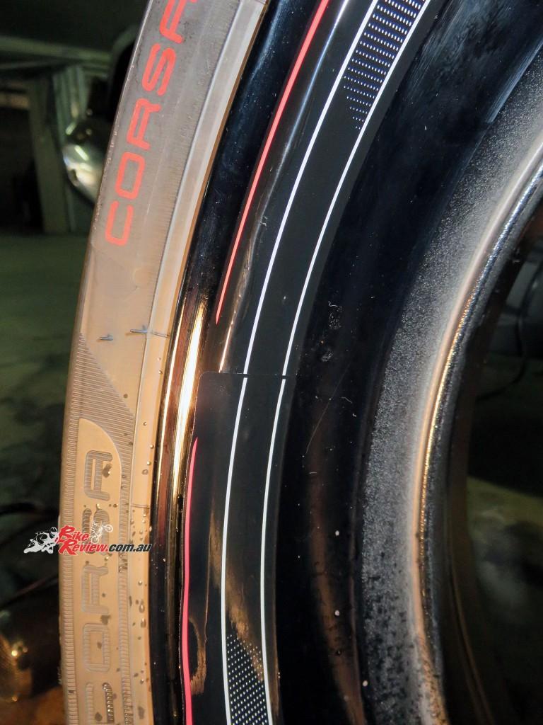Bike Review Suzuki GSX-S1000 Rim Decal step 10