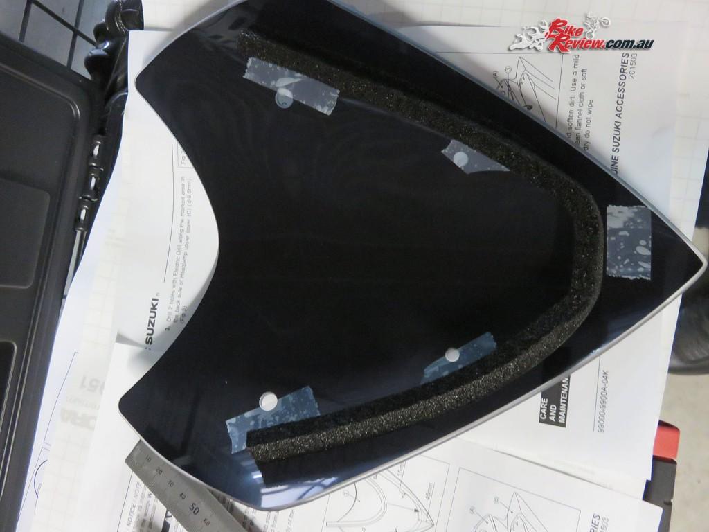 Bike Review Suzuki GSX-S1000 Screen Install (4)