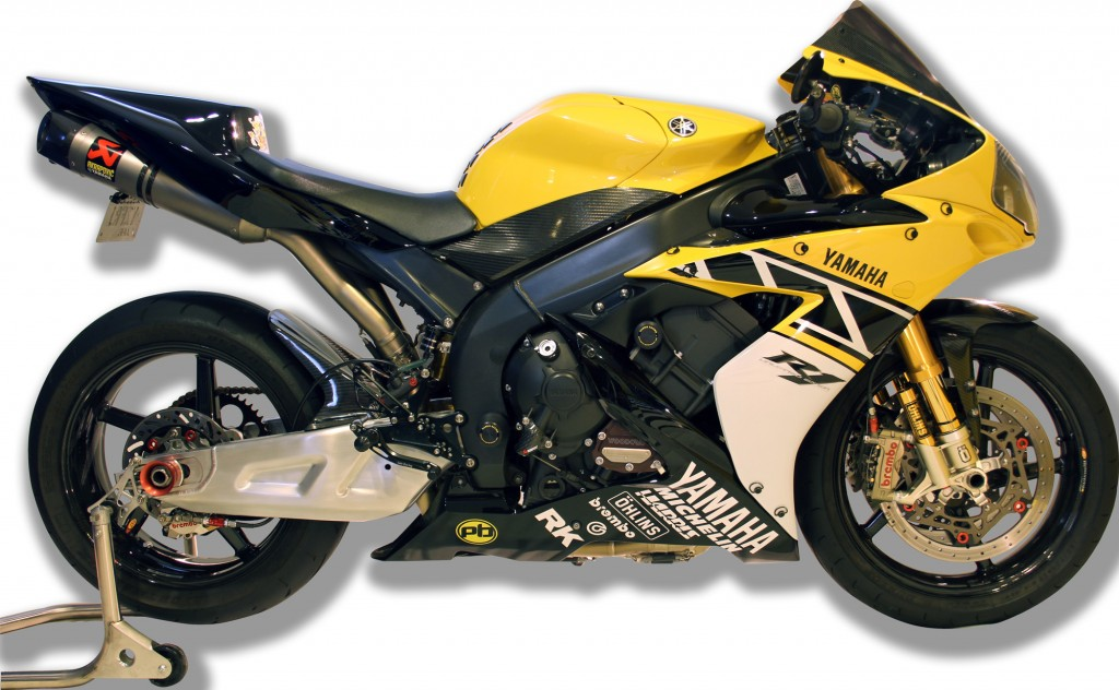 Custom-YZF-R1-Unlimited-BikeReview-(11)11