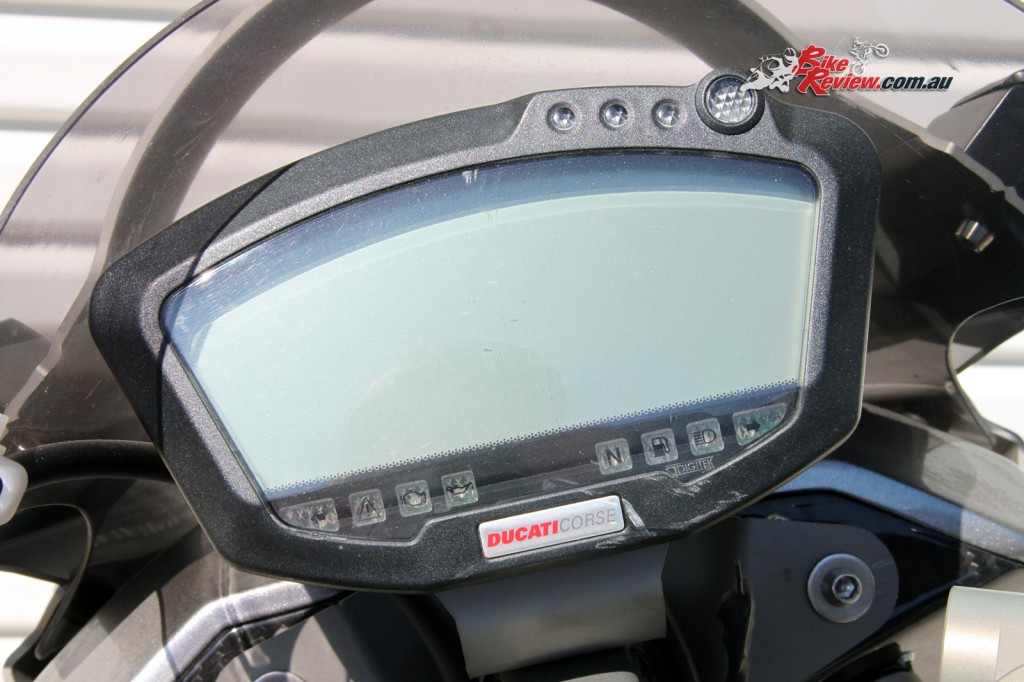 VYRUS 985C³ 4V Ducati Corse instruments.