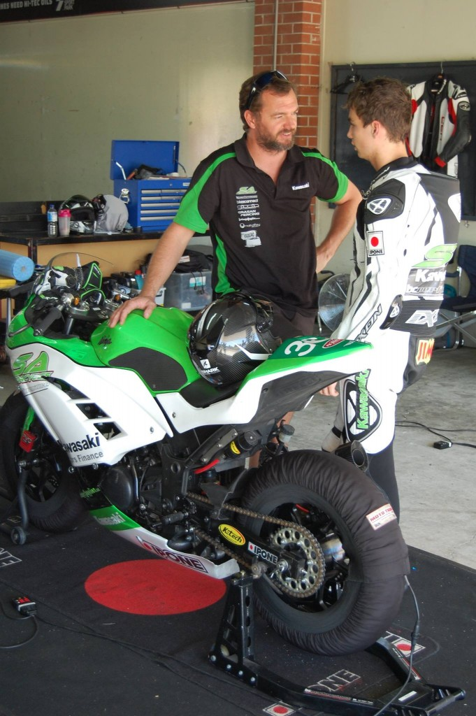 2016 Kawasaki Insurances FX300 Ninja Cup Off to an Electrifying Start3