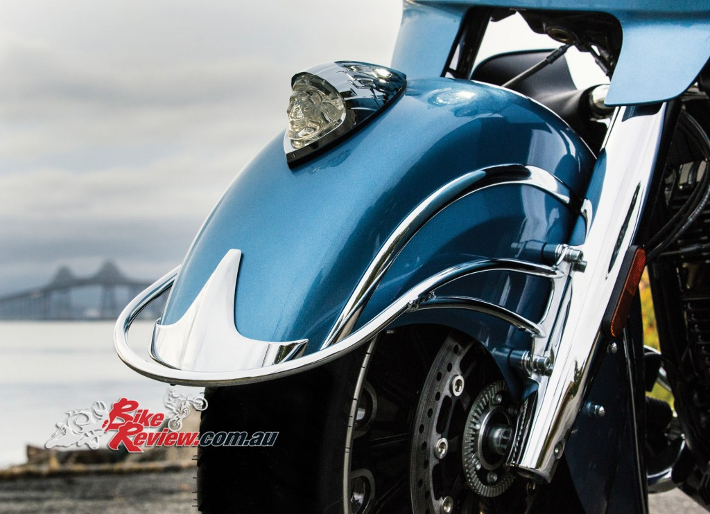 2016 Indian Motorcycles Roadmaster - blue diamond