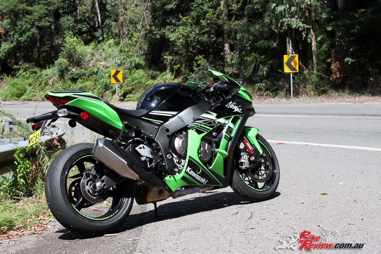 review 2016 kawasaki ninja zx 10r road test bike review. Black Bedroom Furniture Sets. Home Design Ideas