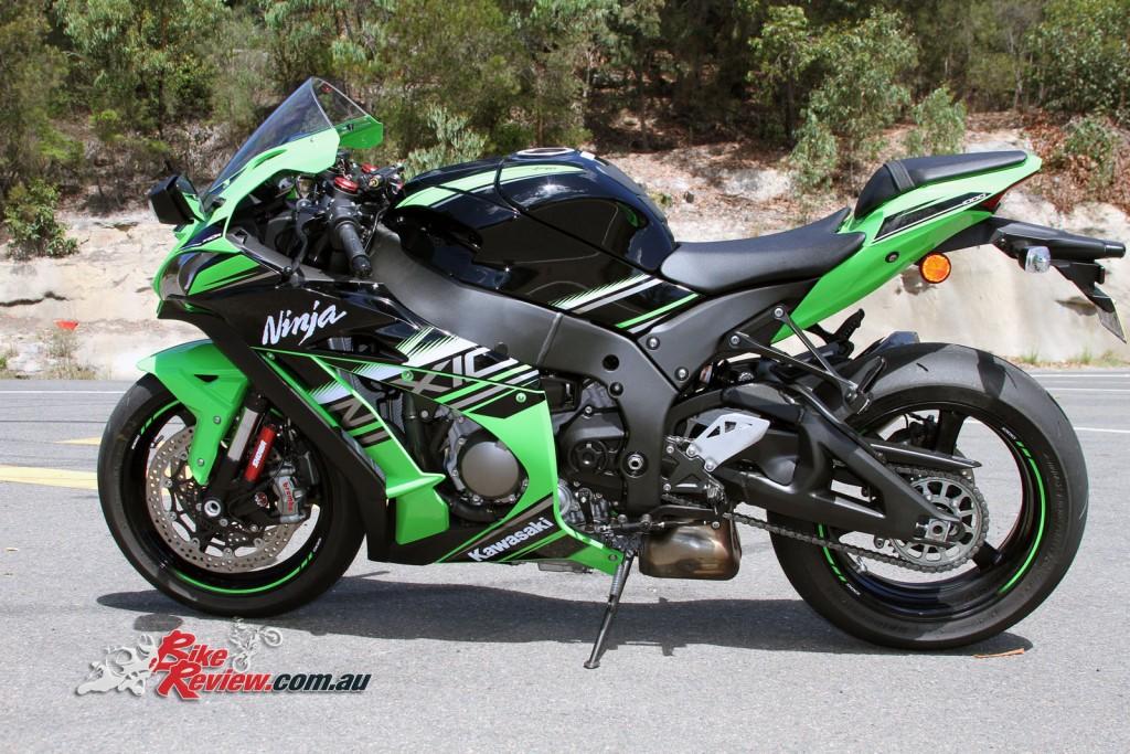 Bike Review Kawasaki Ninja ZX-10R 2016 (40)