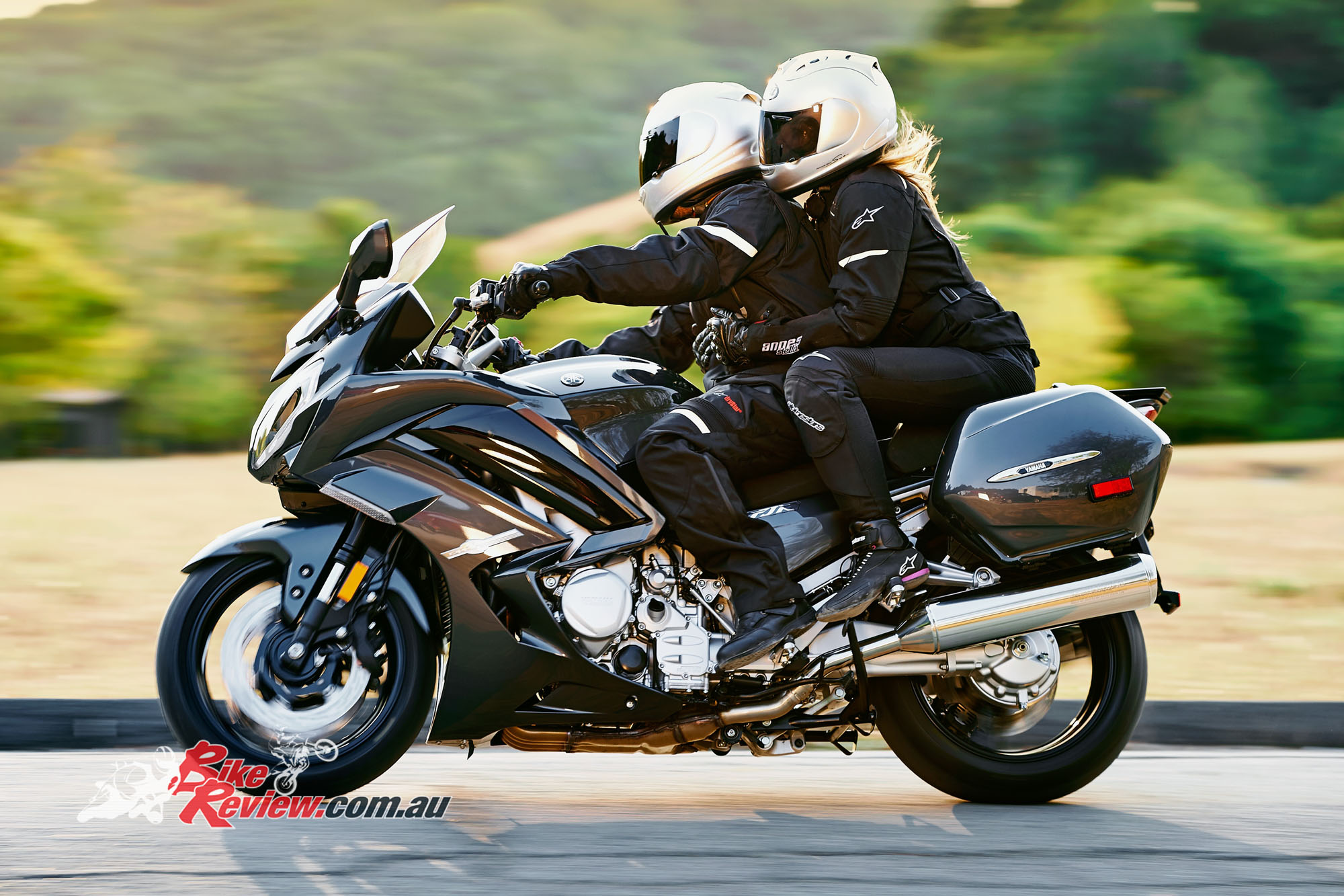 Fresh Colors Feature Yamaha S Fjr1300 Bike Review
