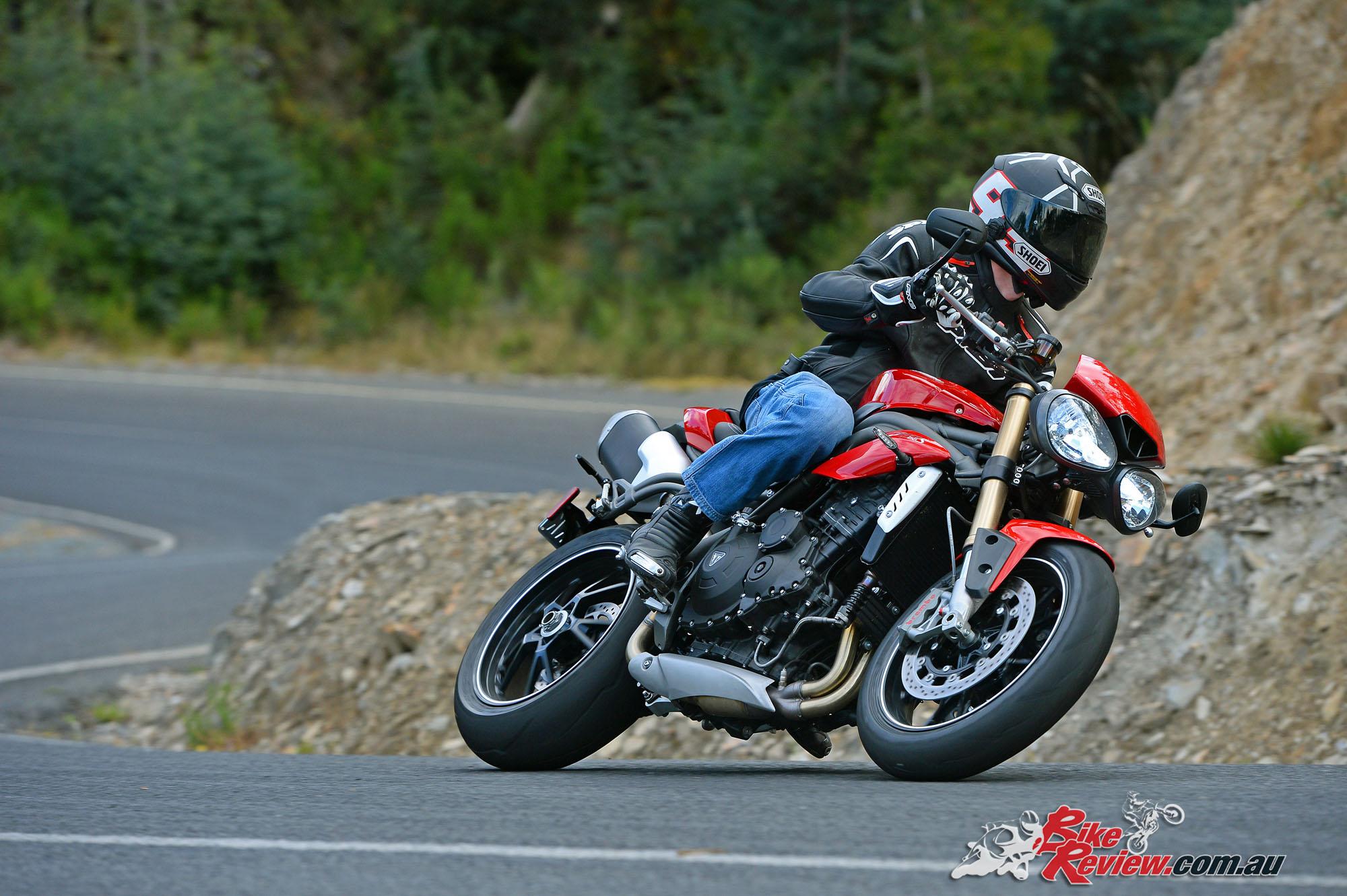 Review 2016 Triumph Speed Triple Launch Bike Review