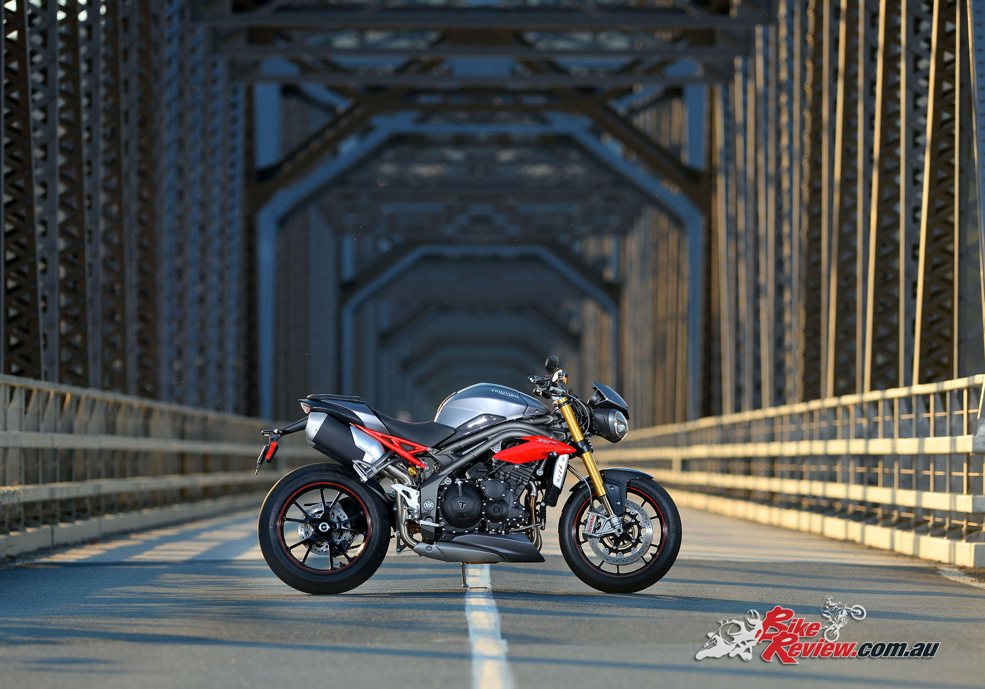 2016 triumph speed triple launch review - bike review