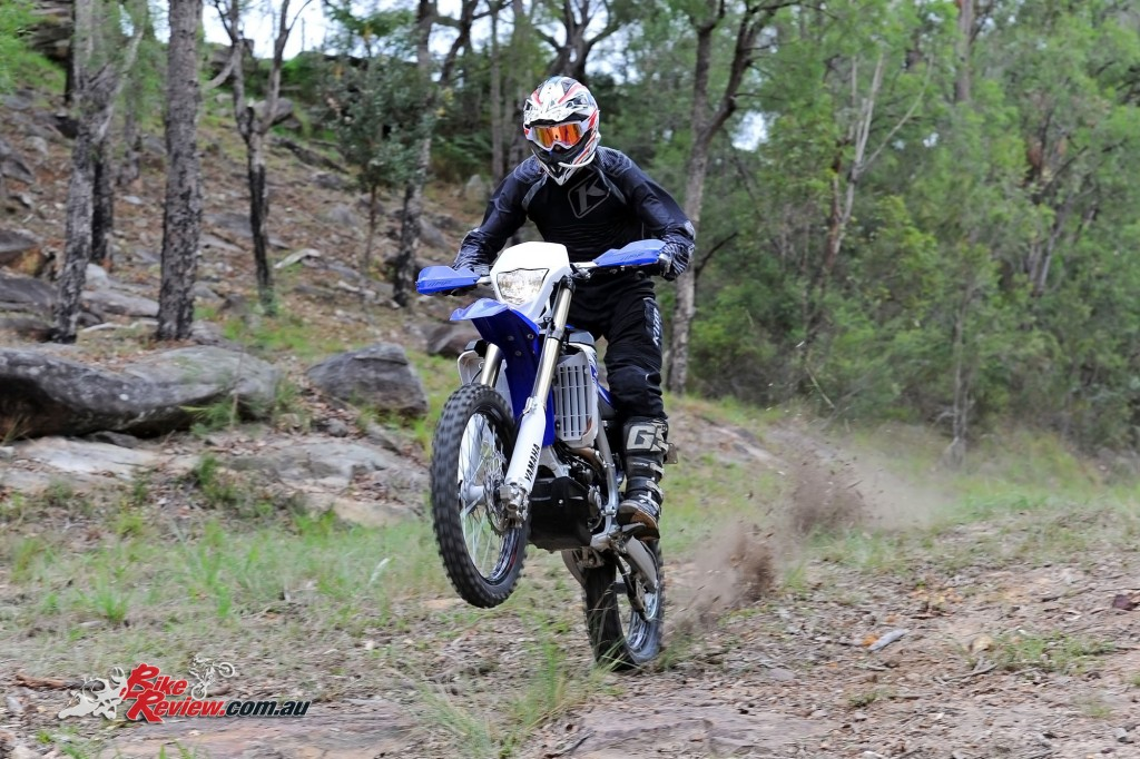 Bike Review 2016 Yamaha WR450F Actions (20)
