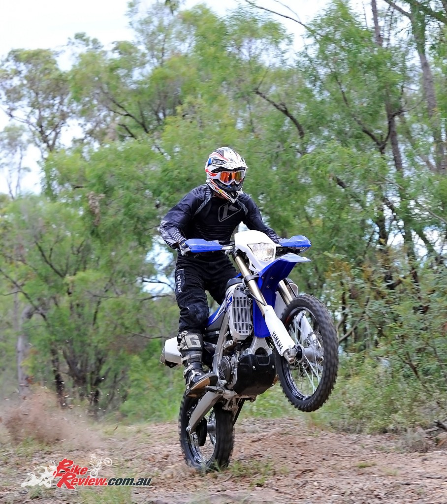 Bike Review 2016 Yamaha WR450F Actions (22)