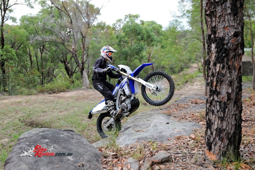 Bike Review 2016 Yamaha WR450F Actions (3)