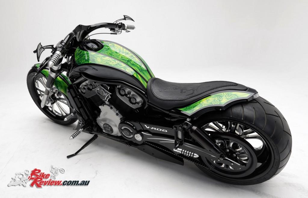 Bike Review PCC Custom HD V-Rod Neon Black (14)