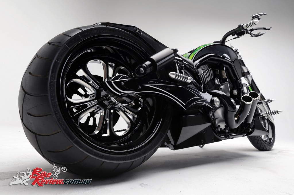 Bike Review PCC Custom HD V-Rod Neon Black (9)