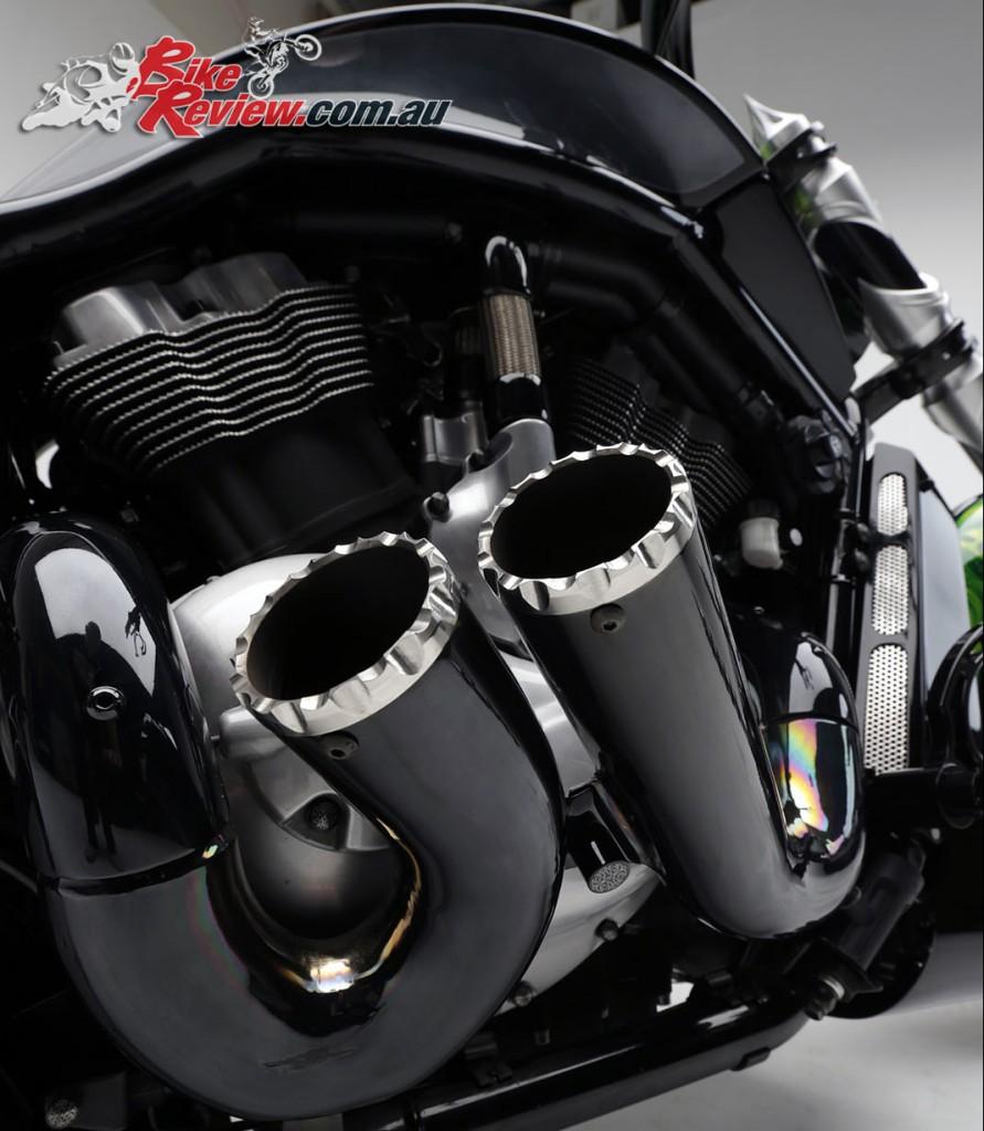Bike Review PCC Custom HD V-Rod Neon Black (76)