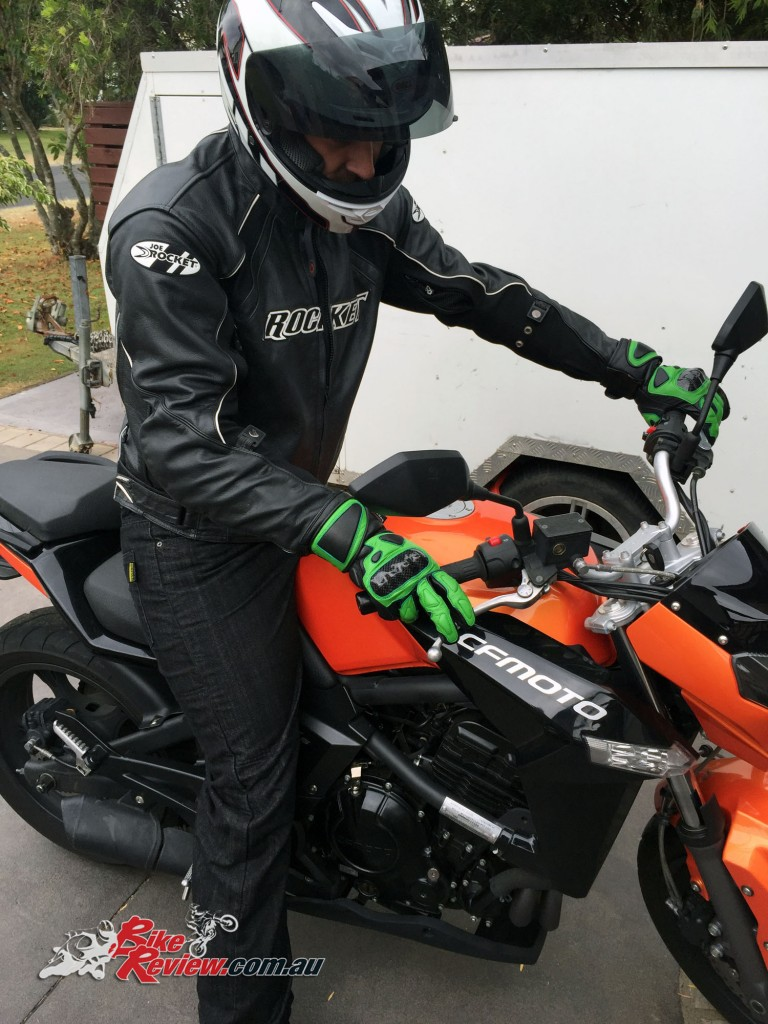 Product Review RNT KS1009 Motorcycle Glove Kevlar Denim Jeans (3)